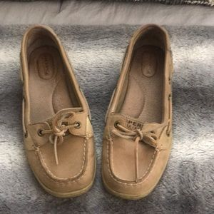 woman's Sperry's size 8